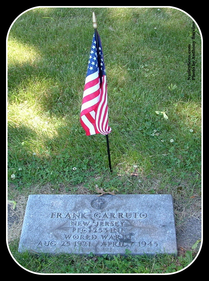 Monument, Glendale Cemetery, photo Copyright © 2004 by Anthony Buccino